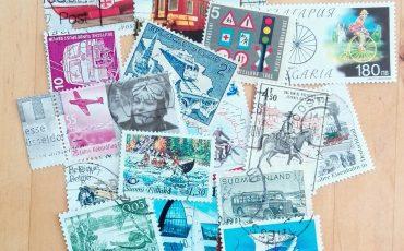 le plaisir d'utiliser des timbres poste dans ses albums de voyage